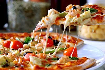 Pizza surgelata nel forno a microonde